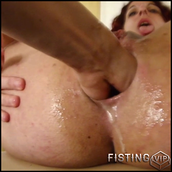 grannys shaved wet pussy lips