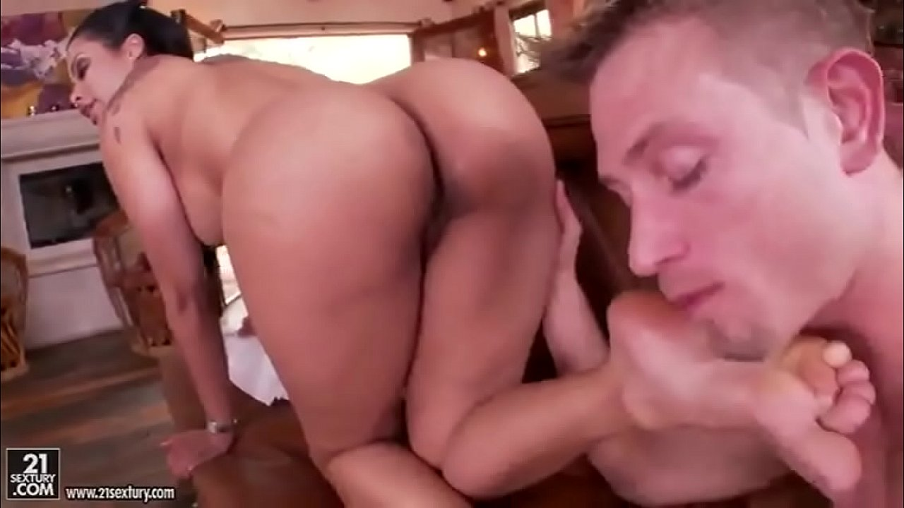 curly haired latina porn